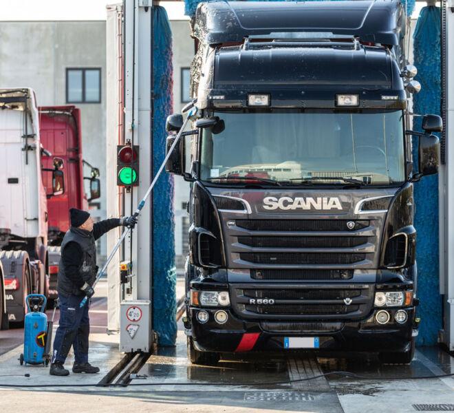 Lavaggio camion e mezzi pesanti