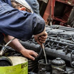 Officina Scania, taglianti per mezzi pesanti e industriali
