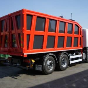 Camion ribaltabile con allestimento speciale